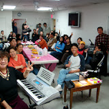 Monday night cell group meeting. 2011 周一小组
