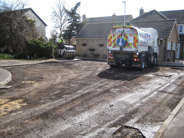 St Johns Close Resurfacing 23-03-2015. Pictures by Chris Cannon - IMG_1076.JPG