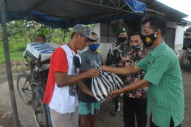 Jelang HUT Ke-49 Korpri, Korpri TNI Sub Unit Makorem 071/Wijayakusuma Peduli Sesama dalam Jumat Berkah