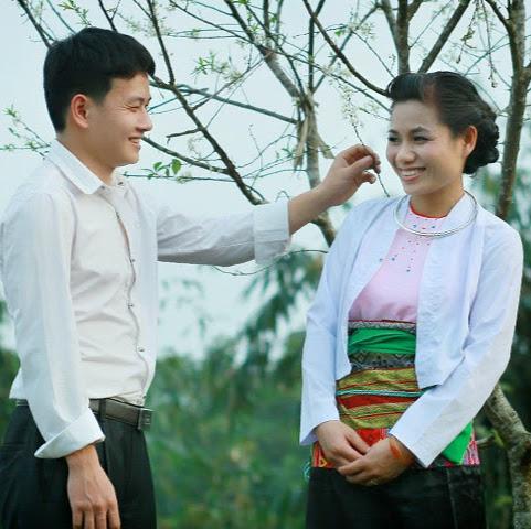 Linh Quach Photo 21