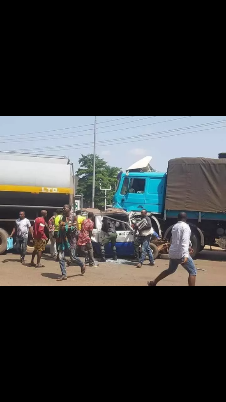 Fuel Tanker Crushes Students' School Bus at Kwata Junction, Awka, Anambra state