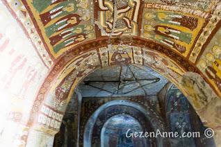 Ihlara vadisindeki Yılanlı Kilise'nin içi