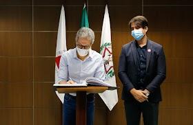 Romeu Zema empossa Fábio Baccheretti, novo secretário de Estado de Saúde