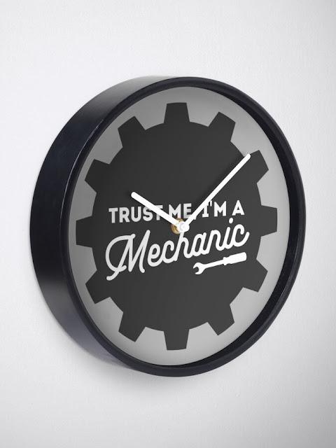 """Funny """"Trust me, I'm a mechanic"""" wall clock"""