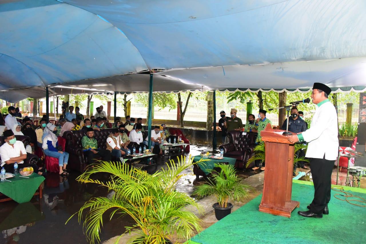 Uu Ruzhanul Hadiri Acara Saba Desa Apdesi di Subang