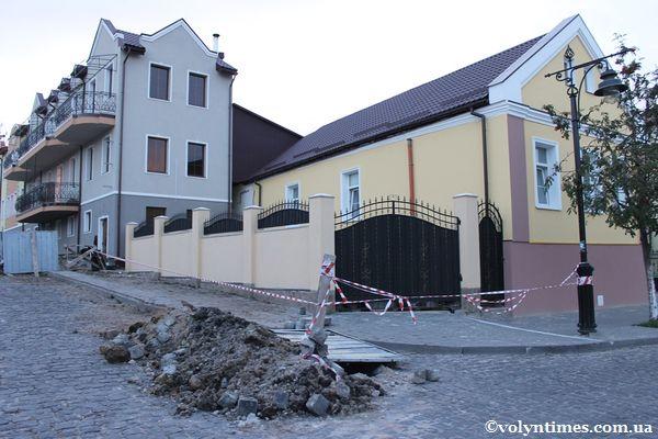 Земляні роботи між вулицями Братковського і Драгоманова