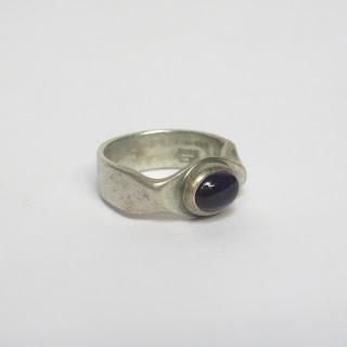 Darla Hesse 1970s Sterling Silver & Amethyst Ring