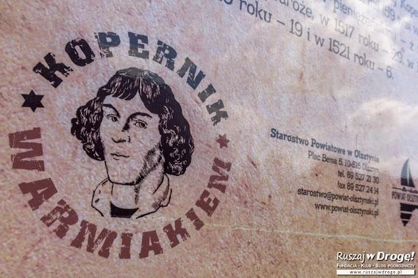 Mikołaj Kopernik Warmiakiem - tablica w Gietrzwałdzie