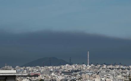 Ατμοσφαιρική ρύπανση : Τα προάστια της Αθήνας που μολύνθηκαν από την φωτιά που ξεκίνησε από τον Σχίνο Κορινθίας