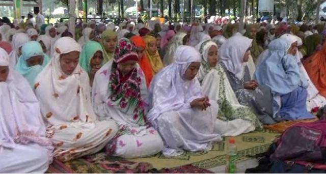 Ribuan Siswa SLTA Gelar Doa Bersama
