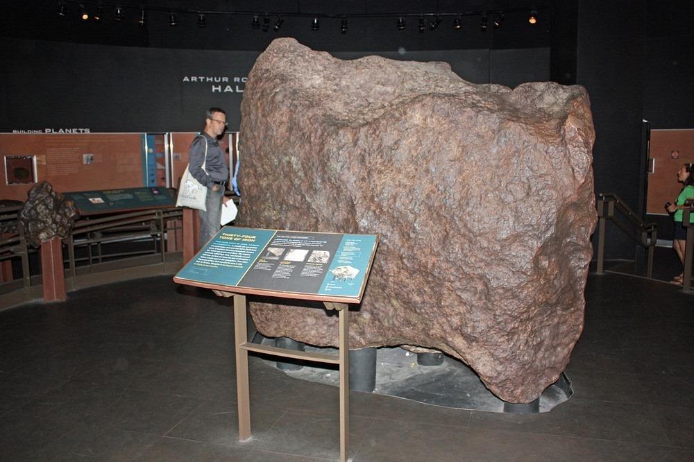cape-york-meteorite-2