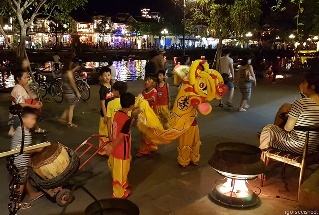 Kids performing lion dances outside the Copper Pot Restaurant where we had our dinner.
