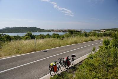 Brücke zwischen den Inseln Ugljan und Pasman