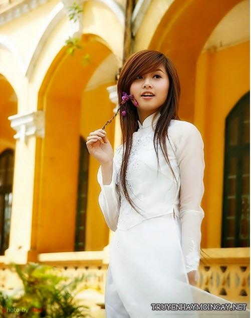 Ảnh Hot Girl Việt Dịu Dàng Cùng Tà Áo Trắng