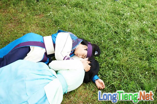 Hwarang: Vừa nói yêu Go Ara, Park Seo Joon lĩnh ngay một mũi tên chí mạng - Ảnh 3.