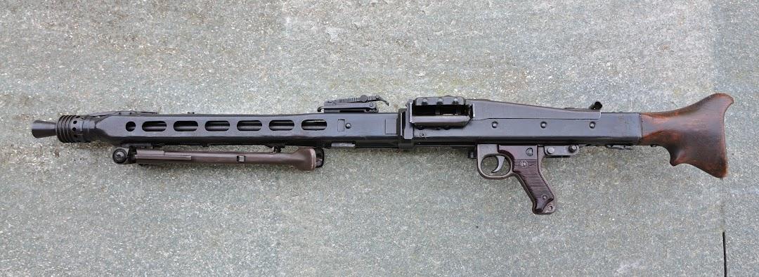 AA 52 version FM et mitrailleuse - Page 2 DSC_0258