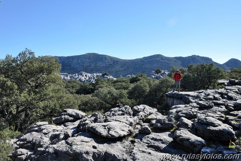 Subida a la Salamadre desde Villaluenga