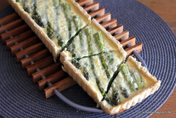 Tarte mit grünem Spargel und Parmesan