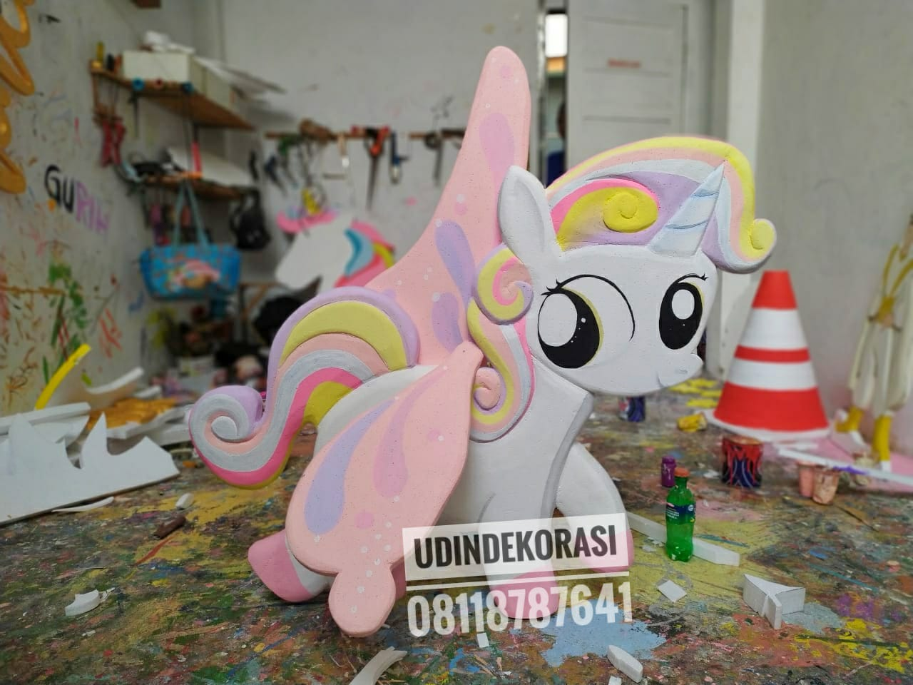 Styrofoam karakter unicorn