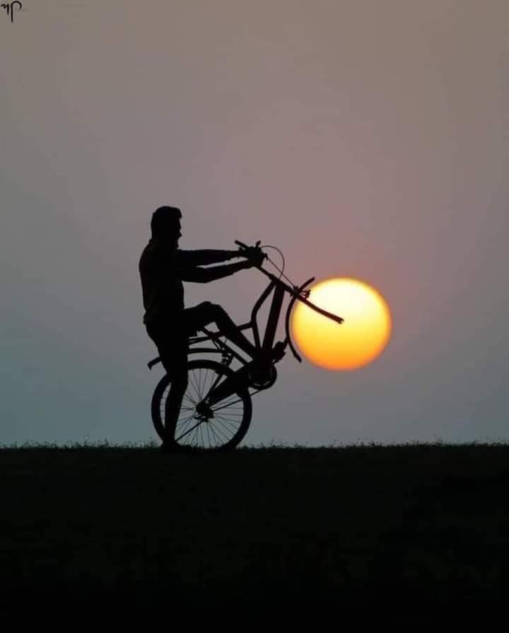 Foto Indah Sunset Keren Gambar Matahari Terbenam Unik Naik Sepeda