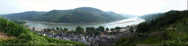 Panorámica sobre Bacharach y el Rhein desde el Castillo de Stahleck