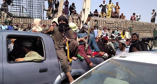 لماذا وضعت القوات الأفغانية أسلحتها بسرعة؟