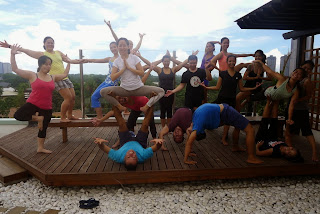 Acro Yoga with Poncho Cottier