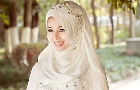 Tanggung Jawab Seorang Muslimah Sebelum dan Setelah Menikah