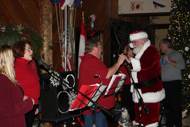 2009 Clubhouse Christmas Decorating Party - IMG_2645.JPG