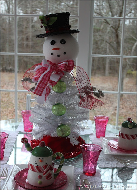 snowman tree and table
