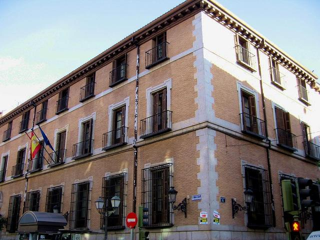 escuela superior canto madrid: