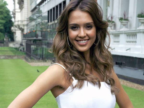 Jessica Alba  #wallpaper:wallpaper,fun girls