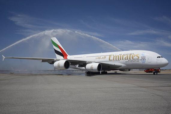 Emirates empieza a operar con el 'gigante' A380 en el Aeropuerto de Barajas