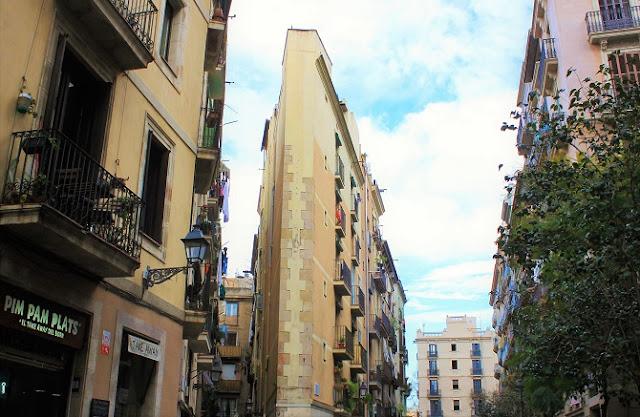 Carrer del Triangle Barcelona.jpg