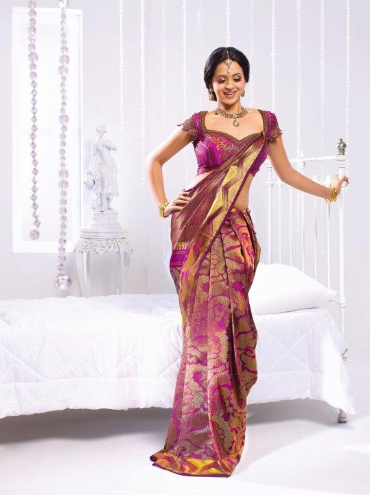 Bhavana-Malayalam Sexy Doll Looks Like a Perfect Indian Barbie
