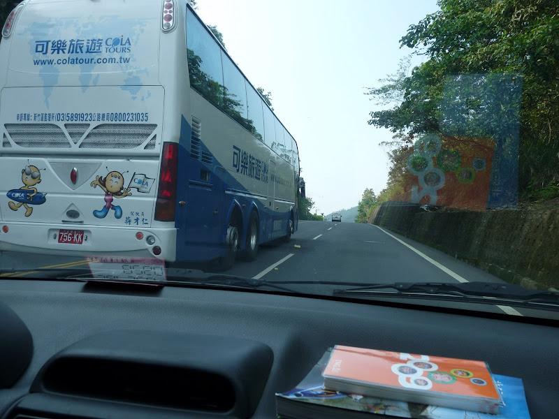 position typique d un chauffeur de bus.S���������������������
