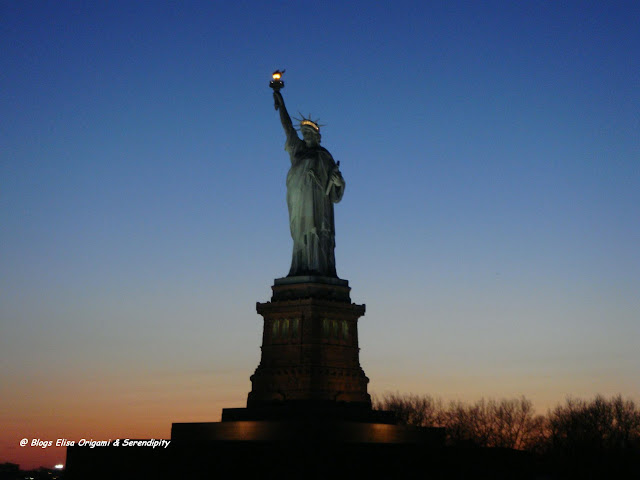 Liberty Island, East River, Manhattan, Skyline, Elisa N, Blog de Viajes