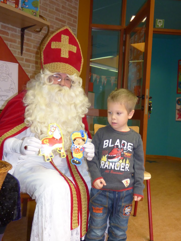 De Sint op bezoek! - P1050001.JPG