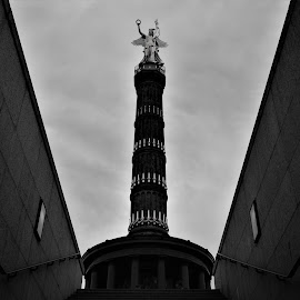 Victory Column by Todor Musev - Black & White Buildings & Architecture ( victory, germany, column, monument, berlin )