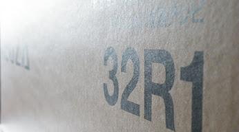 REGZA 32R1 外箱