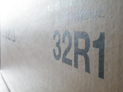 REGZA 32R1外箱
