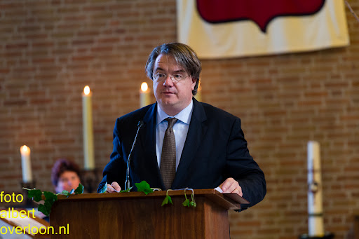 herdenkingsdienst  en een stille tocht naar het Engelse kerkhof 12-10-2014 (39).jpg