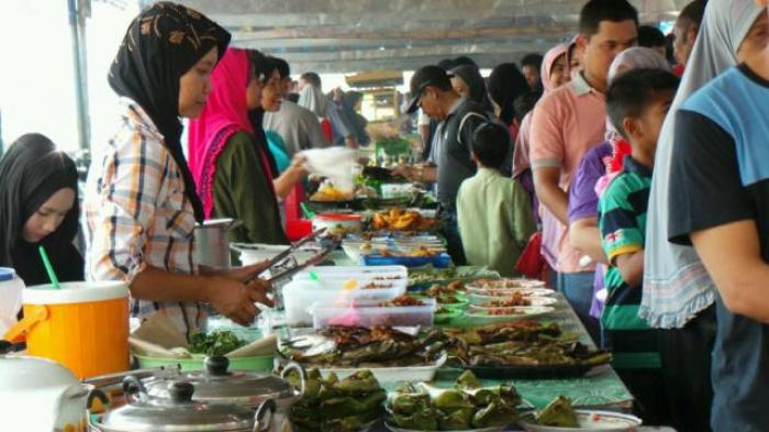 Bupati Buka Pasar Ramadan Balangan