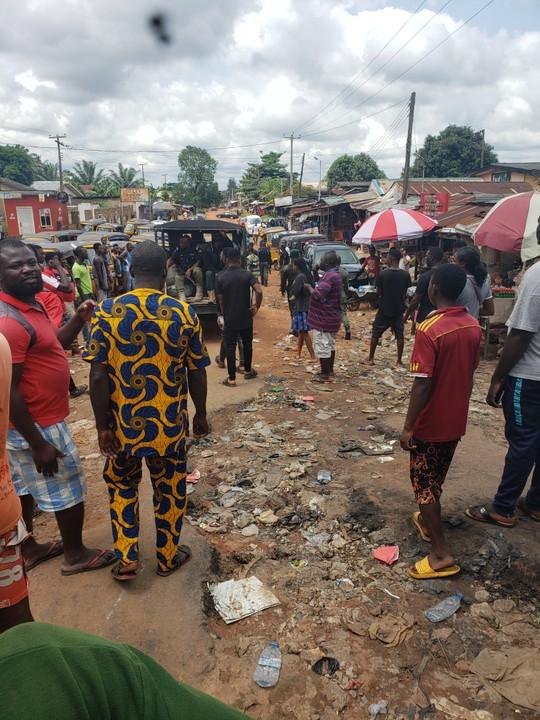 Edo People Defy Obaseki's 24-Hour Curfew. Chase Police Officers Away