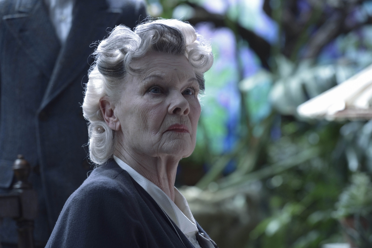 Judi Dench is Miss Avocet in MISS PEREGRINE'S HOME FOR PECULIAR CHILDREN. (Photo Credit: Leah Gallo - TM & © 2016 Twentieth Century Fox Film Corporation)