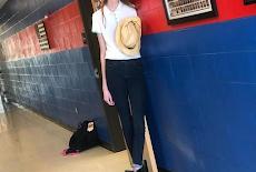 أطول فتاة بالعالم.. تزيد عن مترين بطولها..