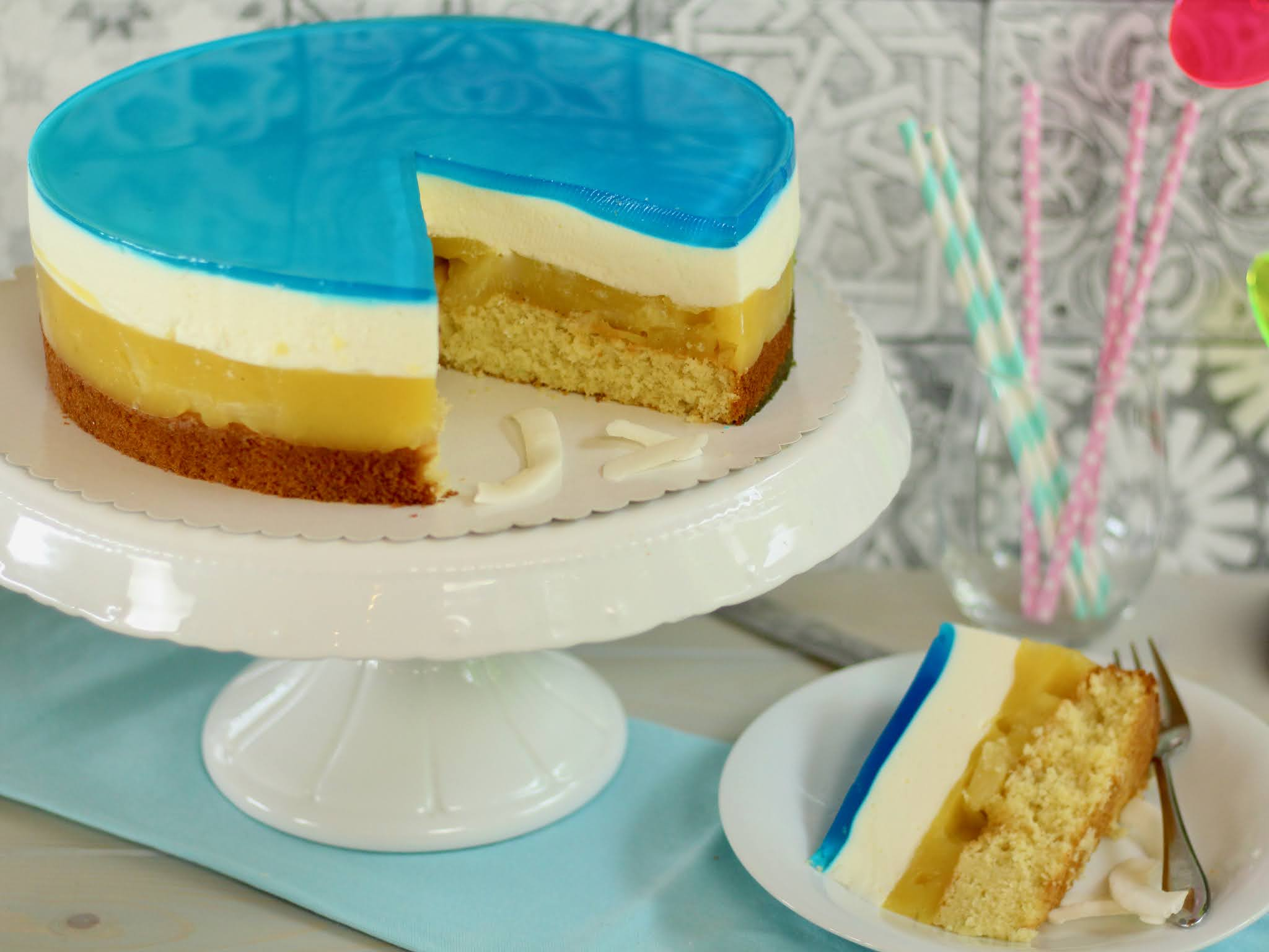 🏝Perfekt für die Pool Party! 🍍Swimmingpool-Torte! 🏝Blue Hawaii Torte | Rezept und Video von Sugarprincess 🏝