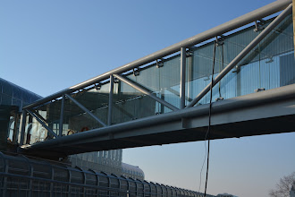 Photo: Brücke Therme Oberlaa + Verglasung