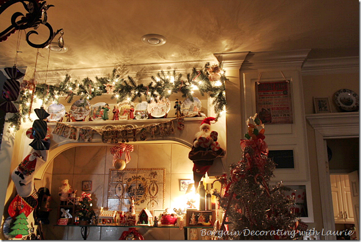 Range Alcove Christmas Decor