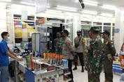 Sosialisasikan Penerapan PPKM Polisi- TNI Dan  Pol-PP Di Lombok Tengah Sambangi Pelaku Usaha